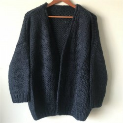 Customized Woman Knitted Cardigan
